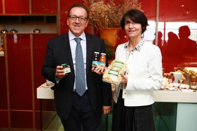 Mr Riccardo Cozzo - president  & Ms Carla Gambini - senior project manager (bioagrico.op) (2)